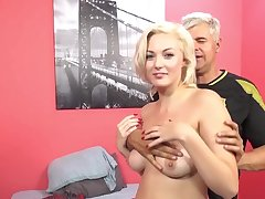 Interracial coition between a black dude and X-rated blondie Jenna Light-skinned