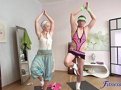 Yoga homework leads hot blonde to really crave be expeditious for cock