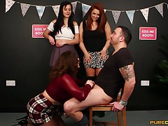 Dude with reference to a aphoristic dick gets teased by Carly G and her best friends