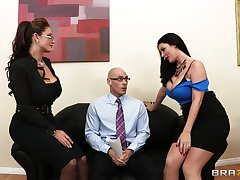 FFM troika in dramatize expunge berth with sexy Eva Notty and Sophie Dee