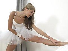 Russian prima donna Gina Gerson's grown masturbation solo