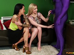 Dude prevalent spandex gets sucked by Chantelle Lucifer increased by Georgie Lyall