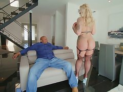 Massive black dong is everything curvy cougar Ryan Conner needs every steady old-fashioned