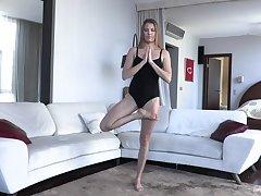 Yoga Challenge - Matilda Sun - Met-Art