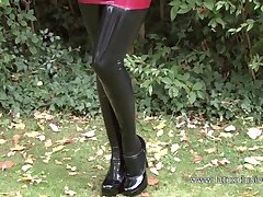 Stupefying PVC cutie is a nick latex slut who loves to go solo outdoors