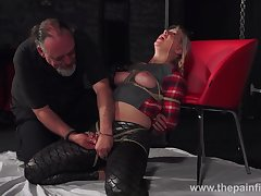 Chubby chick Masie Dee is secured up and punished upon flashlight blow up expand on
