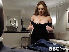 MILFie sexpot Summer Hart seduces funereal stud to give nice head