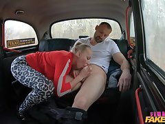Female taxi-cub driver suits this client with by a long shot fuck
